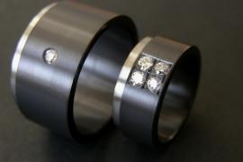 Zirkonium ring met pavé zetting