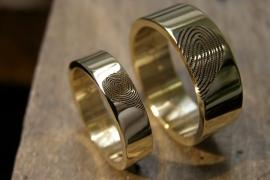 Gouden vingerafdruk ringen