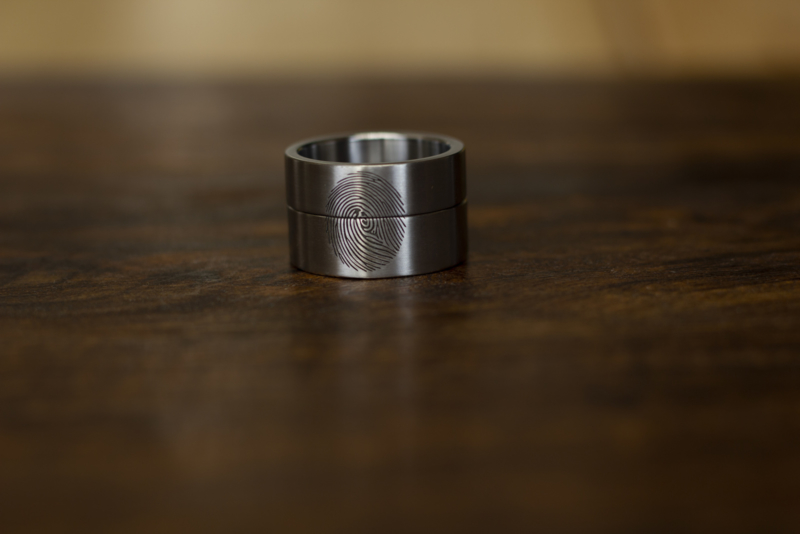 2 vingerafdruk ringen die samen 3 vingerafdruk vormen