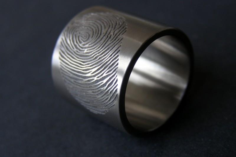 Titanium vingerafdruk ring (extra brede ring)