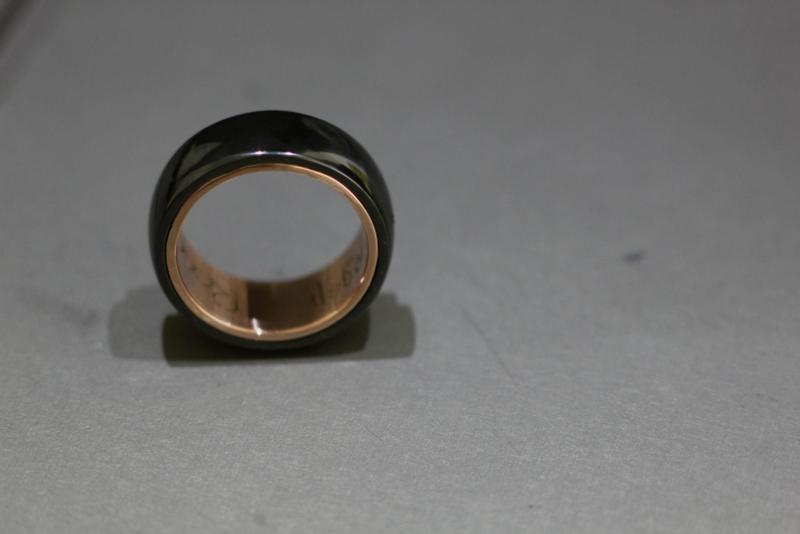 Zirkonium ring met Rosé gouden binnenzijde