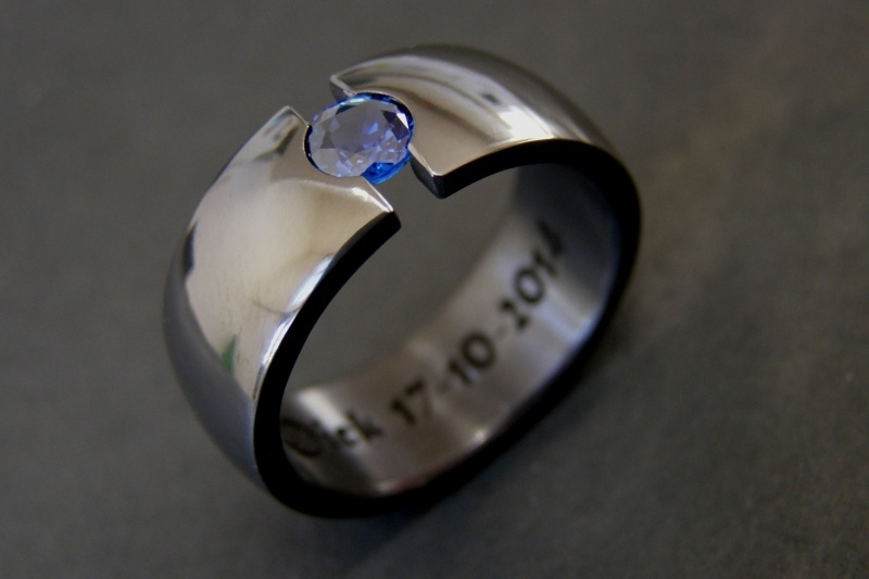 Zirkonium ring met Blauwe Saffier