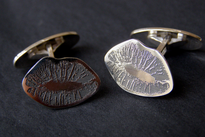 Zilveren kus manchetknopen / met jou eigen kus