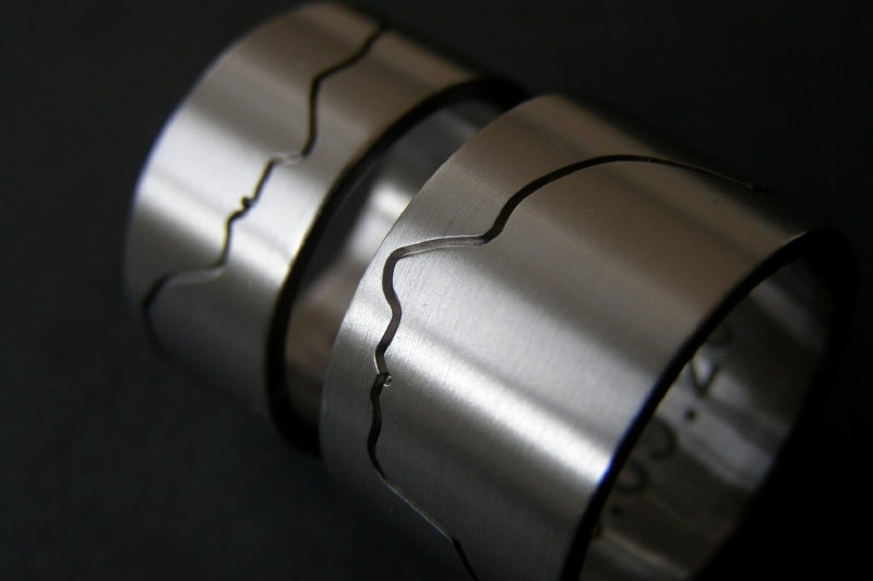 Titanium profielringen gefreesd met initialen