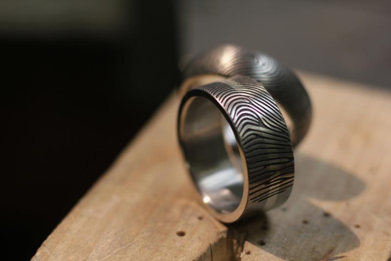 Titanium vingerafdruk ringen 180c Zilveren band  / Trouwringen