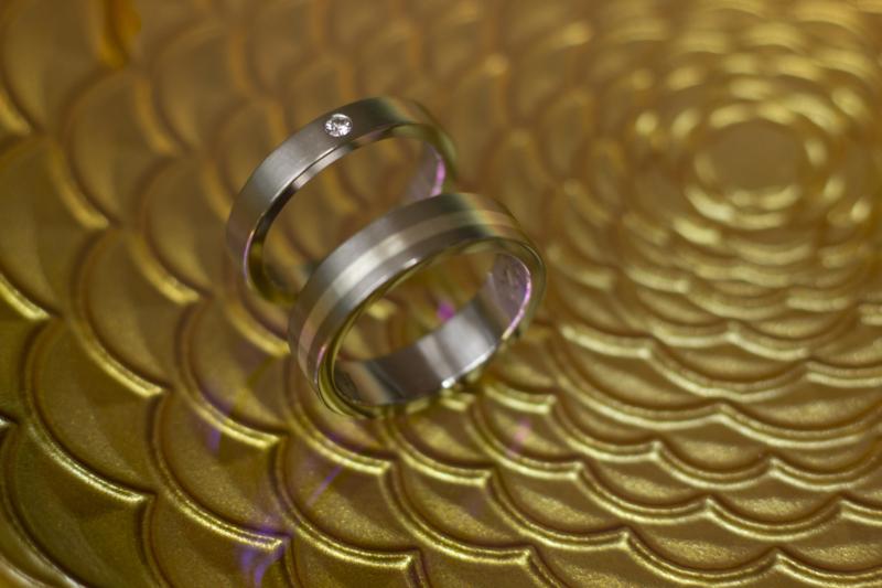 Titanium ring met zilveren band small / Titanium ring met diamant 2.4 mm