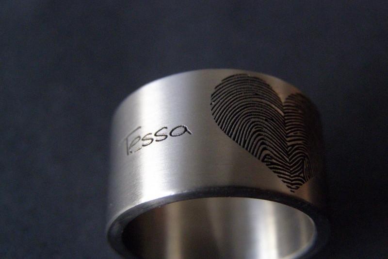 Vingerafdruk ring met hart vingerafdruk van 2 personen of 1 persoon.