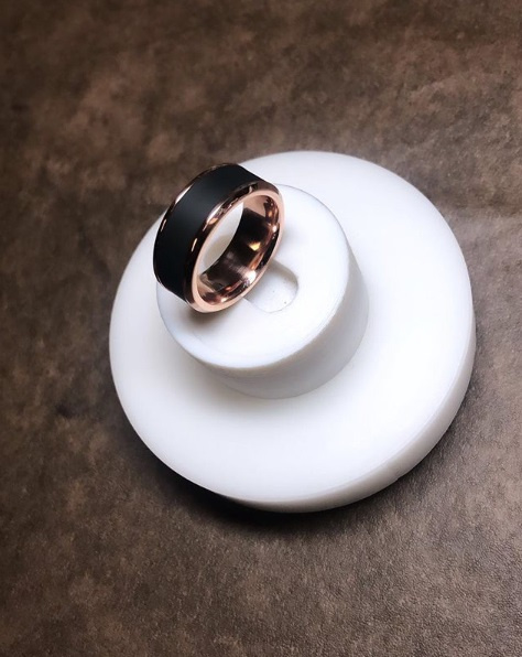 KRATOS - Black Diamond Ring - Platina - 8 mm breed