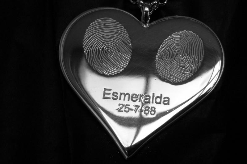 Zilveren hanger hartvormig met vingerafdrukken