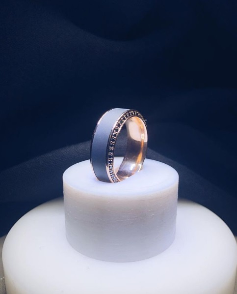 ZEUS - Black Diamond Ring - Platina - 64 diamanten - 8 mm breed