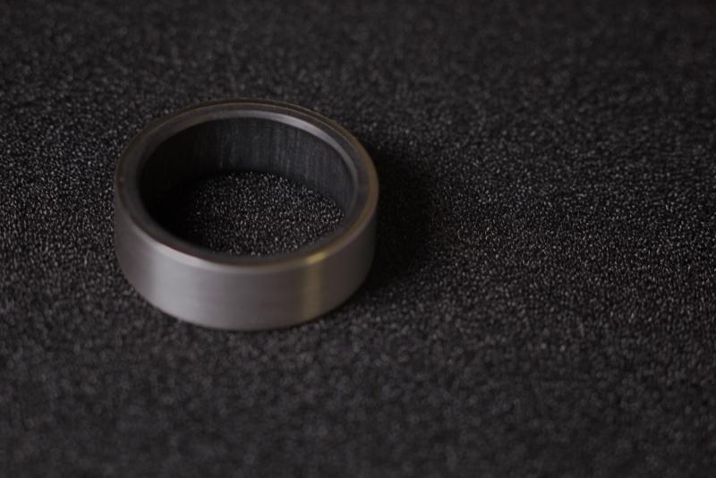 Carbon binnenzijde in Titanium ring