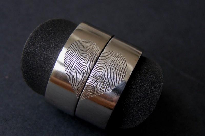 Vingerafdruk ringen in Hartvorm