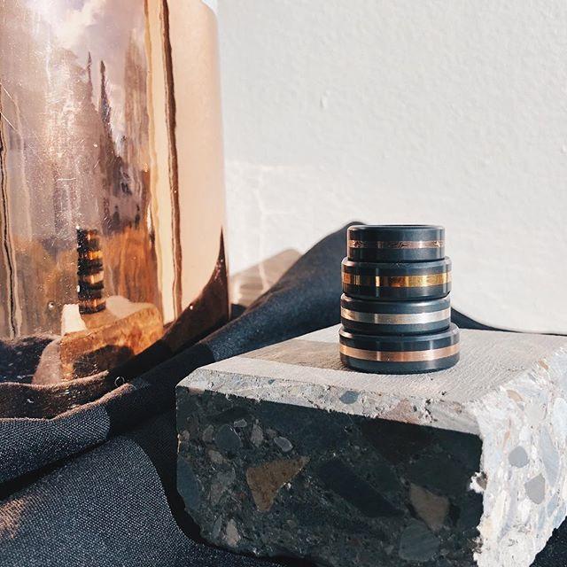 ARES - Geel gouden Mokume Gane - Black Diamond Ring - 8 mm breed