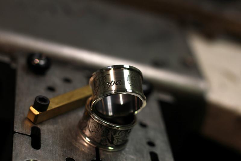 Zilveren Vingerafdruk ring met persoonlijke tekst gravering