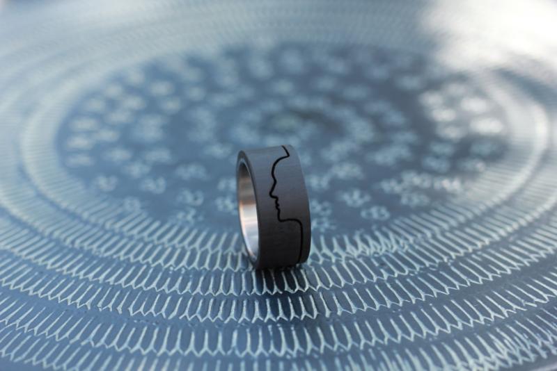 Carbon profiel ring, carbon ring met gezichts profiel