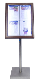 Classic Menukast Donkerbruin hout met witte LED verlichting 4x A4 (MCS-4A4-WLDB)