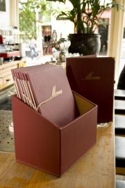 Luxe menukaarten box inclusief 20 menukaarten uit de Classic serie, Wijnrood (MC-BOX-CRA4-WR)