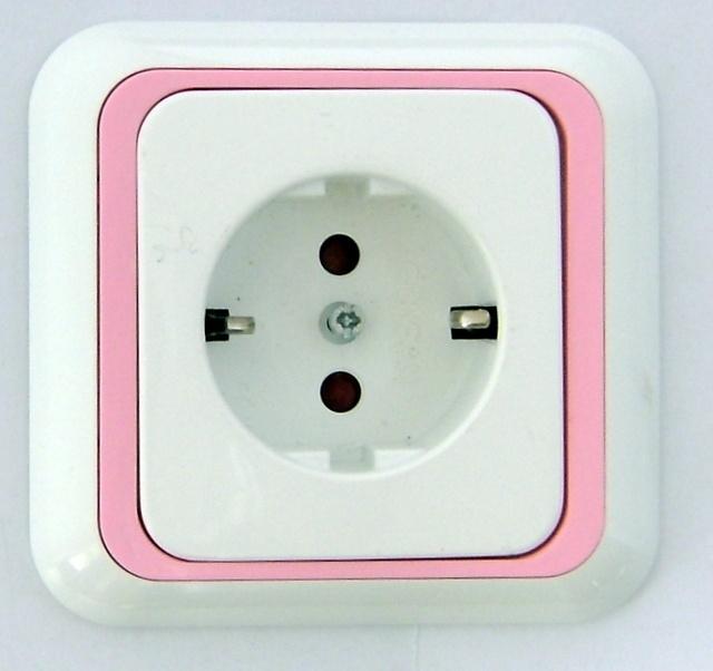 Wandstopcontact  randaarde  met  roze rand  (compleet)