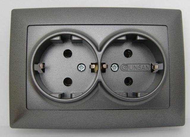 Dubbel geaard stopcontact-antrasit