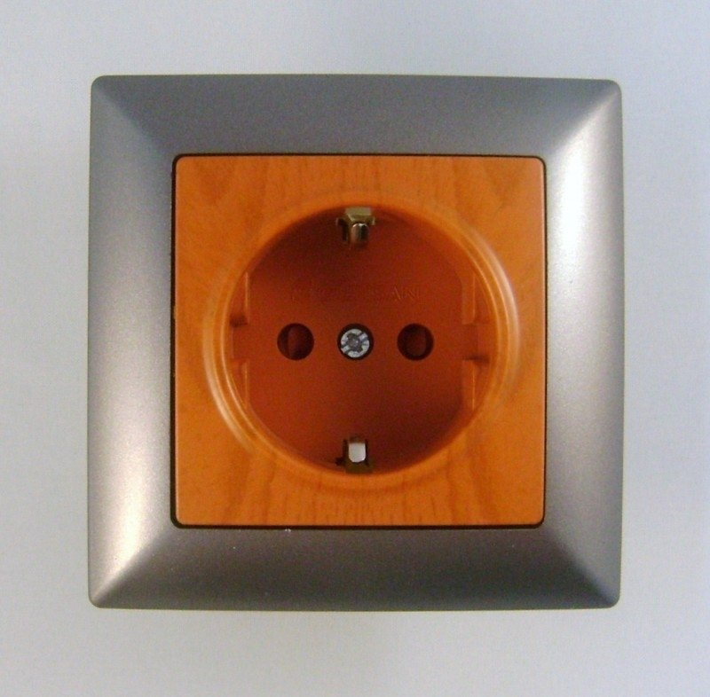 Wandstopcontact   (compleet)