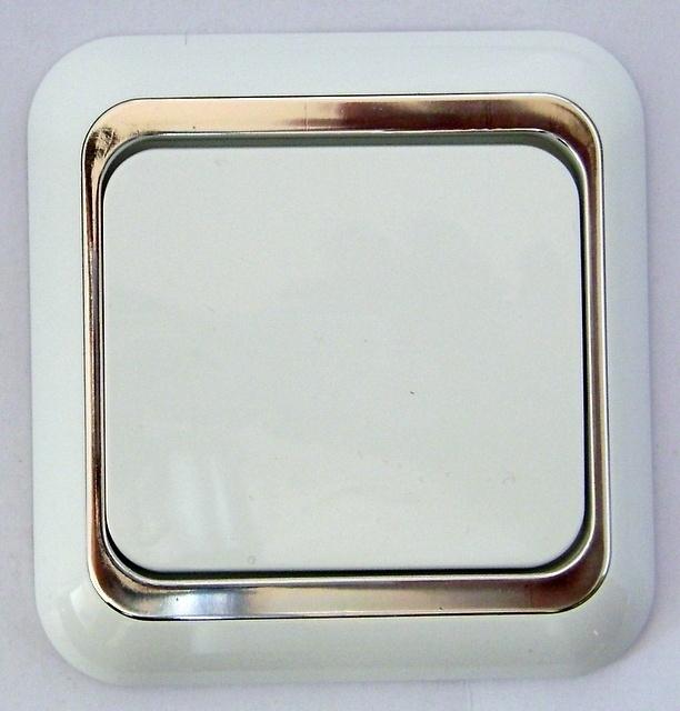 Schakelaar met zilver rand  (compleet)