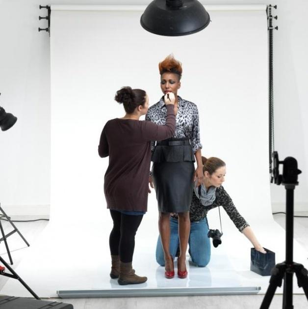 visagie - marlou Limburg heerlen aan het werk backstage fotoshoot magazine