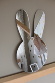 MeToo Mirror - Bunny