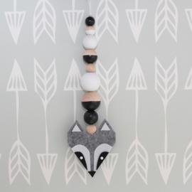 Hanger wasbeer grijs-zwart