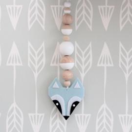Hanger wasbeer lichtblauw-zwart