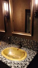 Koperen wastafels bij Cocoon Hotels!