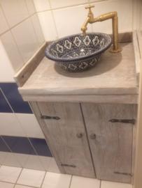 Marokkaanse waskom in de badkamer...