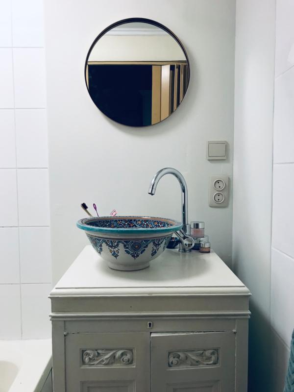 Marokkaanse wastafel in de badkamer...