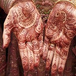 BLK250x250_henna.jpg