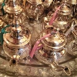 Marokkaanse theepotten.jpg