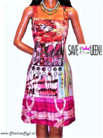 # V 2 DQ454 NEW  SAVE*THE*QUEEN S M L SOLD