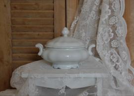 Brocante dekschaal van Bavaria, Kronester. Wit aardewerk