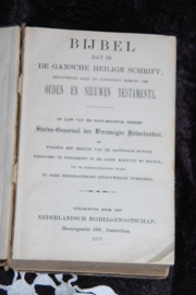 Twee oude bijbels, heel decoratief