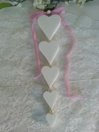Zelf zeepketting maken 5 harten met geruit lint