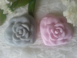 Hart met opgelegde roos