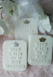 "10 st. ""Keep calm, we're just married""  in organza zakje."