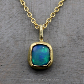 opaal in blauw en groen