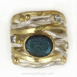 draadring met eigen goud en stenen