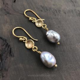 gouden kommetjes met grijze parel