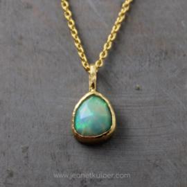 roosgeslepen Welo-opaal