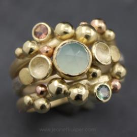 set van drie ringen met chalcedoon, saffier en toermalijn
