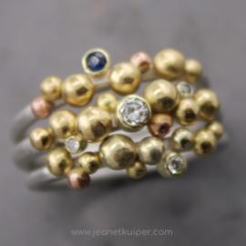 3 balletjesringen met saffier en diamant