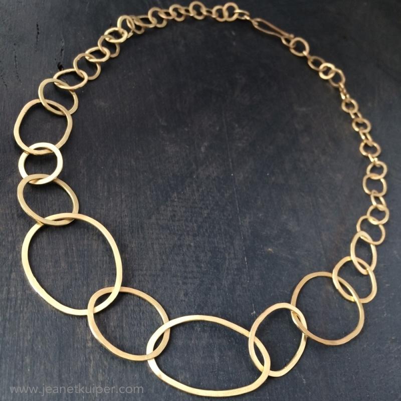 collier in geelgoud gemaakt van oud goud