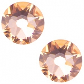Swarovski Elements SS34 flatback Xirius Rose light peach 26960