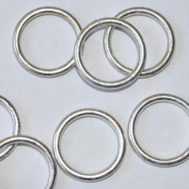 Metallook ring rond antiek zilver 18mm