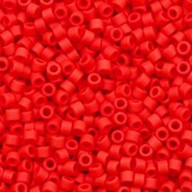 Miyuki delicas 11/0 (2mm) opaque matte red 753